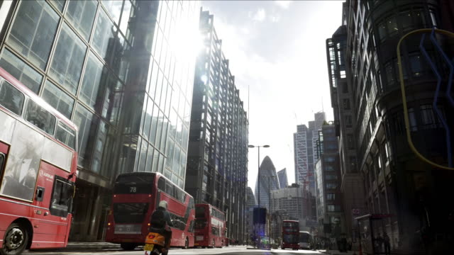 london bishopsgate and the city skyscrapers - sir norman foster building stock videos & royalty-free footage