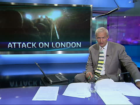 channel 4 news special: pab 19.30 - 20.00; emergency service vehicles attending king's cross station 19.34 england: london: gir: int jon snow i/c - 1934 stock videos & royalty-free footage