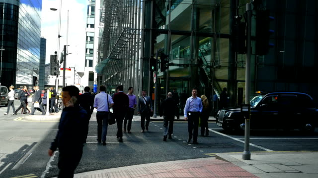 London Canary Wharf Street Scene (4K/UHD to HD)