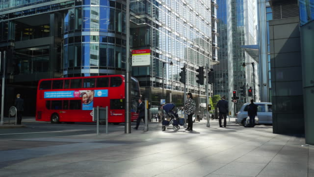 London Canary Wharf Upper Bank Street (UHD)