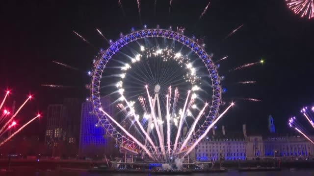 london celebrates the last new year before brexit with fireworks from the london eye - new stock videos & royalty-free footage