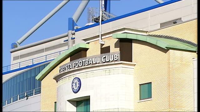 stockvideo's en b-roll-footage met chelsea: stamford bridge: stamford bridge stadium entrance - itv weekend evening news