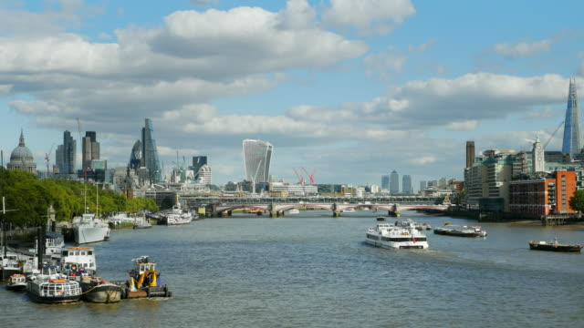 london city and southwark viewed from the west (uhd) - thames river stock videos and b-roll footage