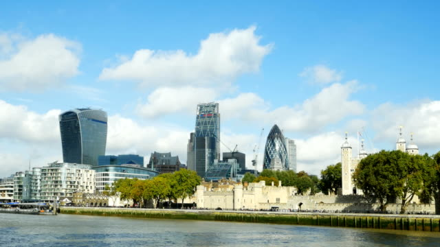 pov london city and tower (4k/uhd to hd) - tower of london stock videos & royalty-free footage