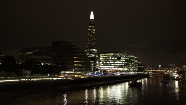 london city hall and the shard at night - town hall stock videos & royalty-free footage