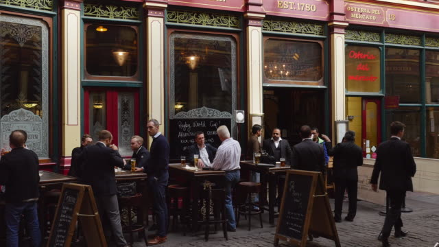 London City People Meeting For A Drink In Leadenhall Market (4K/UHD to HD)