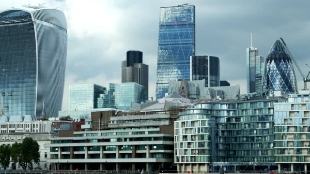 pan london city skyscrapers (4k/uhd to hd) - city of london stock videos & royalty-free footage