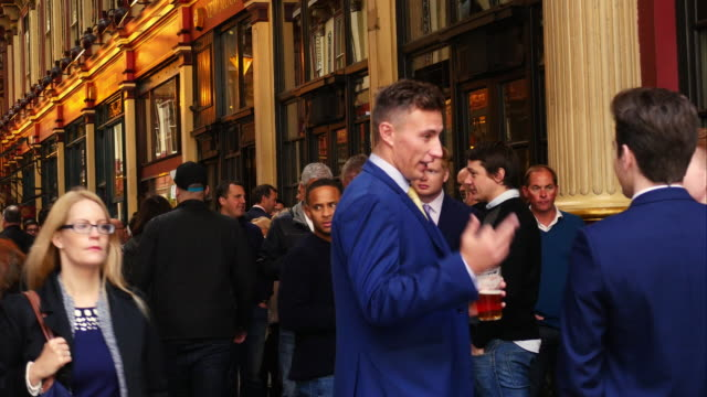 London City Workers Having A Drink In Leadenhall Market (UHD)