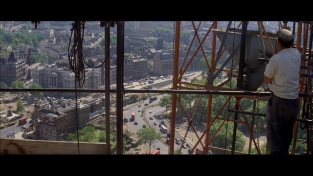 1962 London - Construction of the London Hilton on Park Lane