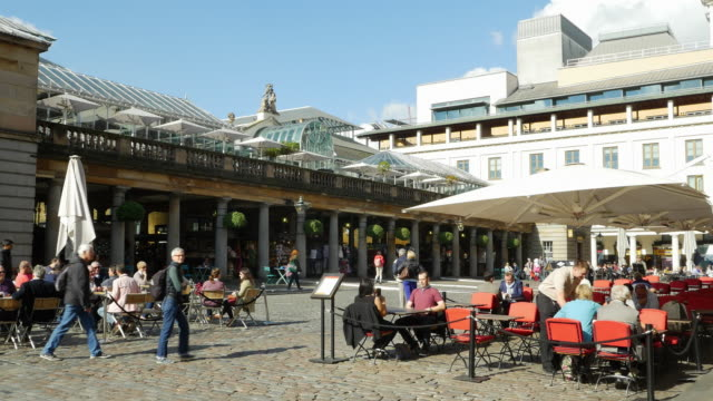 london covent garden market outdoor cafe (uhd) - english culture stock videos & royalty-free footage