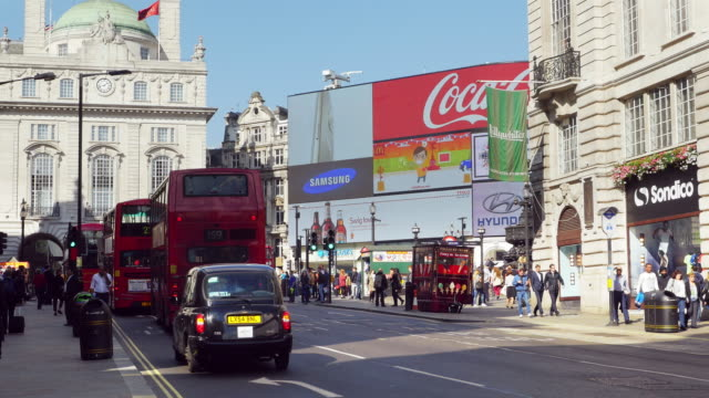 london coventry street and piccadilly circus (uhd) - piccadilly circus stock videos and b-roll footage