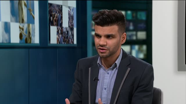 london doctor speaks about helping rohingya refugees in bangladesh; dr mohammed khaki interview sot - ニナ・ホサイン点の映像素材/bロール