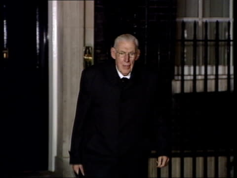 downing street: ext at night democratic unionist party leader dr ian paisley mp from number 10 and towards cms dr ian paisley mp speaking to press... - democratic unionist party stock videos & royalty-free footage