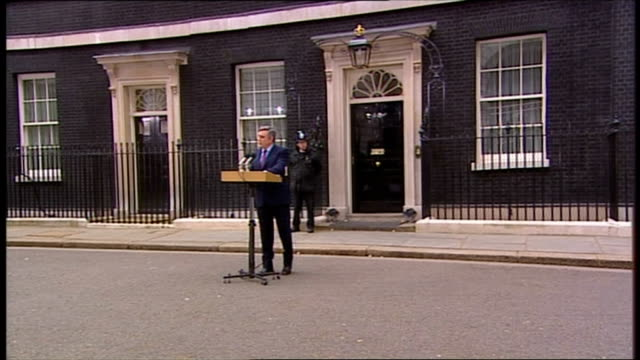 downing street: ext gordon brown mp out from number 10 and statement standing in downing street sot - we have a parliamentary system, not a... - premierminister stock-videos und b-roll-filmmaterial