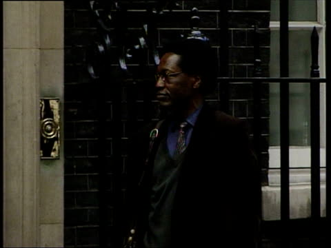 london: downing street: gv press us vice president dick cheney press conference sot - if the issue of inspectors is to be addressed we feel very... - dick cheney stock videos & royalty-free footage