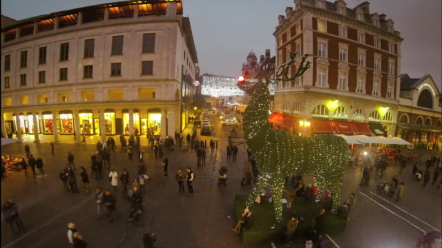 vidéos et rushes de london during christmas holiday, aerial timelapse - caribou