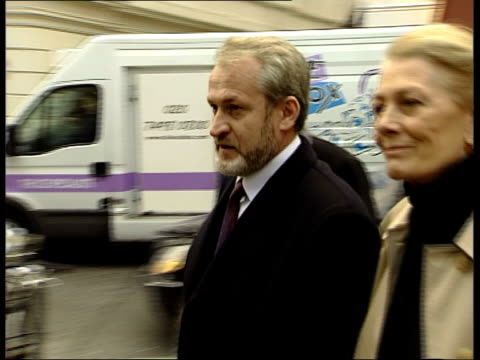 London Chechen envoy Akhmed Zakayev along with supporter Vanessa Redgrave and lawyer Gareth Peirce PAN Press outside Bow Street Magistrates Court...