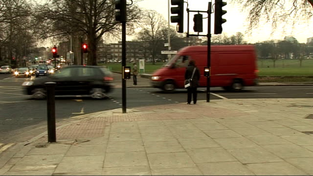 stockvideo's en b-roll-footage met london ext junction of peckham rye and east dulwich road with roadworks removed - peckham