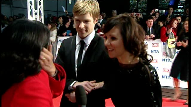 london steve mcfadden signing autographs for fans michael mcintyre surrounded by fans itn reporter speaking to arlene phillips sot james corden along... - comedian stock videos and b-roll footage