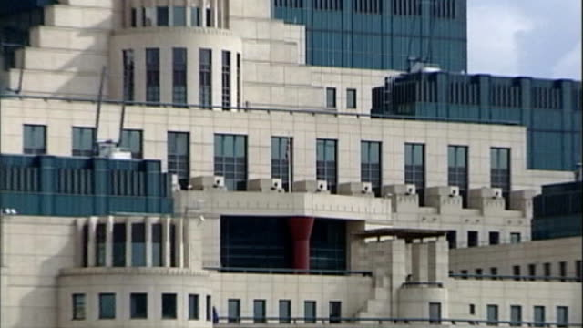 london ext secret intelligence service headquarters general views mi5 building - イギリス情報局保安部点の映像素材/bロール