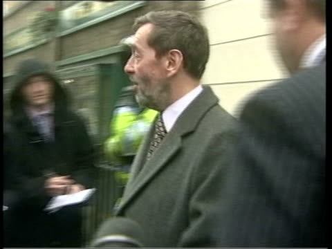london david blunkett mp out of building and into car as speaks to waiting reporters sot good morning / hope you don't have to stand in the rain for... - charles clarke britischer politiker stock-videos und b-roll-filmmaterial