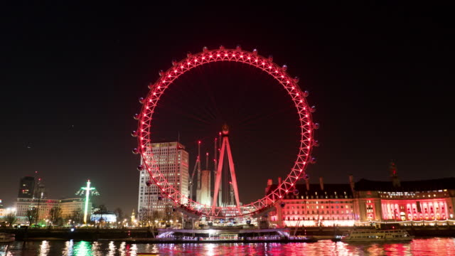 vídeos de stock e filmes b-roll de london eye at night,time lapse. - roda gigante
