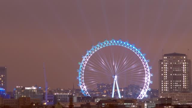 MS T/L ZO London Eye illuminations at night / London, United Kingdom