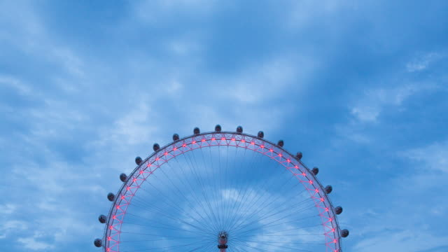 vídeos de stock e filmes b-roll de london eye timelapse, top half - roda gigante