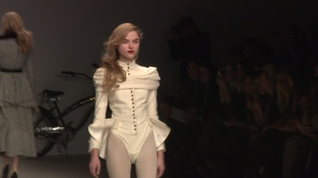 ppq london fashion week autumn/winter 2012 london uk 02/17/12 ppq london fashion week autumn/winter 2012 at somerset house on february 17 2012 in... - event capsule stock videos & royalty-free footage