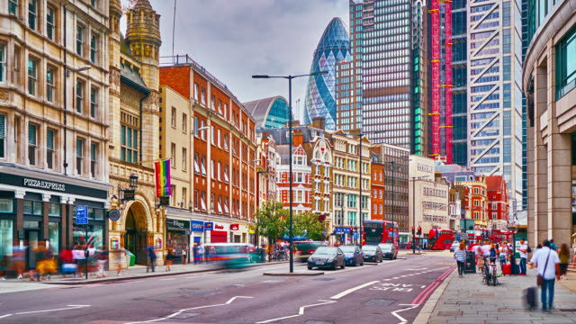 london financial district. business office building. street. pedestrian. traffic. - traffic time lapse stock videos & royalty-free footage