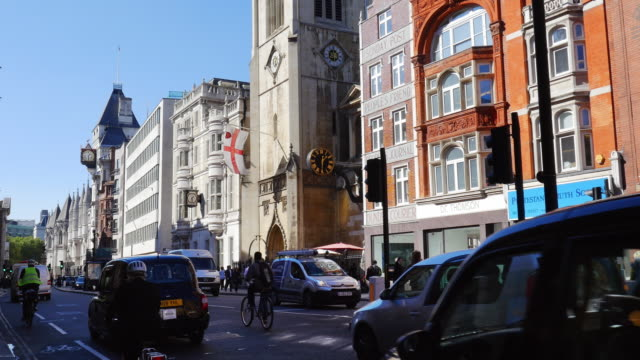 london fleet street and the strand (uhd) - royal courts of justice stock videos & royalty-free footage