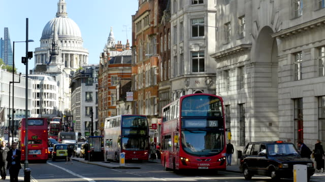 London Fleet Street, Ludgate Hill And St. Paul's Cathedral (4K/UHD to HD)