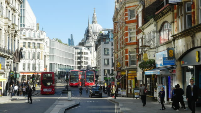 london fleet street, ludgate hill and st. paul's cathedral (uhd) - double decker bus stock videos & royalty-free footage