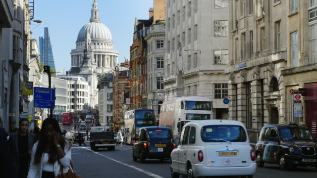 london fleet street, ludgate hill and st. paul's cathedral (uhd) - city of london stock videos & royalty-free footage
