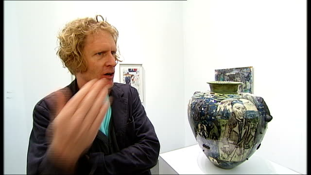 grayson perry interview grayson perry interview sot on contemporary art and whether most of it is rubbish / 20th century art / assett class / whether... - fries säulengebälk stock-videos und b-roll-filmmaterial