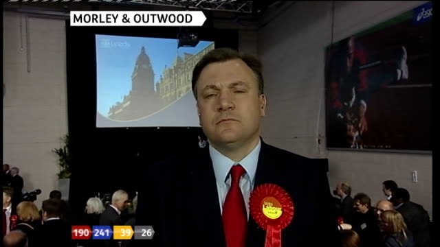 vídeos de stock e filmes b-roll de london gir stewart ed balls 2way interview from morley sot voters of morely and outwood said they did not want future where conservatives take tax... - tom bradby