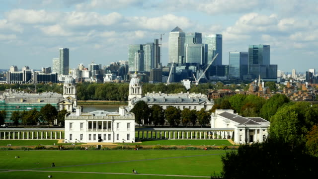 t/l london greenwich and canary wharf skyline - royal navy college greenwich stock videos & royalty-free footage