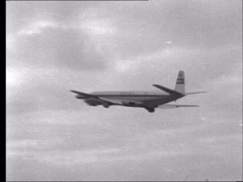 london: heathrow airport: ext b/w 1952 boac de havilland comet taking off for south africa ground to air comet along - comet stock videos & royalty-free footage