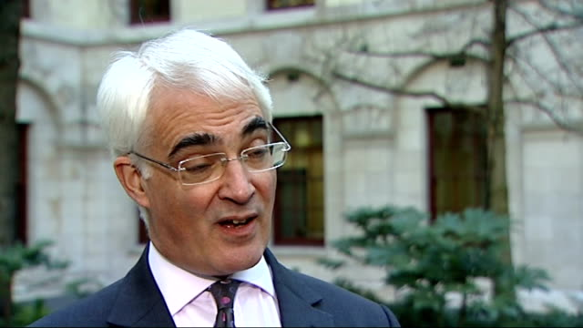 vídeos de stock, filmes e b-roll de london int alistair darling mp interview sot today the conservatives are saying they want to go further and faster thats taking another 25 billion... - comentarista
