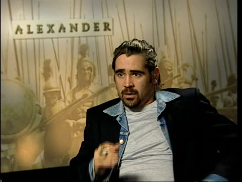 stockvideo's en b-roll-footage met london int colin farrell being interviewed - 2005