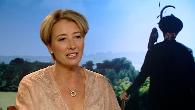 emma thompson interview continued sot - talks of the costume being uncomfortable cutaways nanny james - エマ・トンプソン点の映像素材/bロール