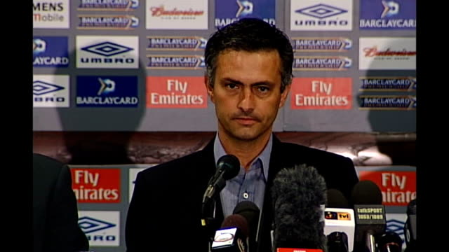 london int * * flash jose mourinho press conference sot i have to say this we have top players and i'm sorry i'm a bit arrogrant we have a top... - ジョゼ・モウリーニョ点の映像素材/bロール