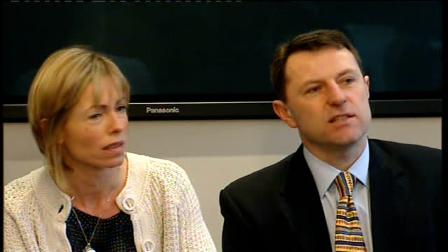 kate mccann and gerry mccann seated at press conference kate mccann press conference sot - not adequate to dismiss a view simply because of... - disappearance of madeleine mccann stock videos & royalty-free footage