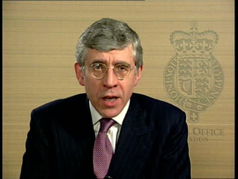 london: int jack straw mp interviewed sot - as soon as the police learned of this man's presence in the uk they made inquiries - he was here lawfully... - plastic bag stock videos & royalty-free footage