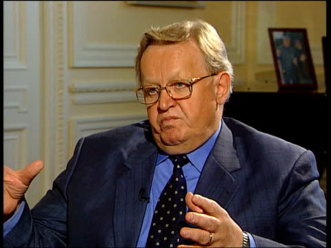 london int maarti ahtisaari interview sot if someone thought this would be a short mission they must have been daydreaming / after the second world... - allied forces stock videos and b-roll footage