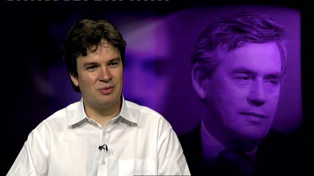 vídeos de stock, filmes e b-roll de int nicholas watt interview sot - channel 4 news