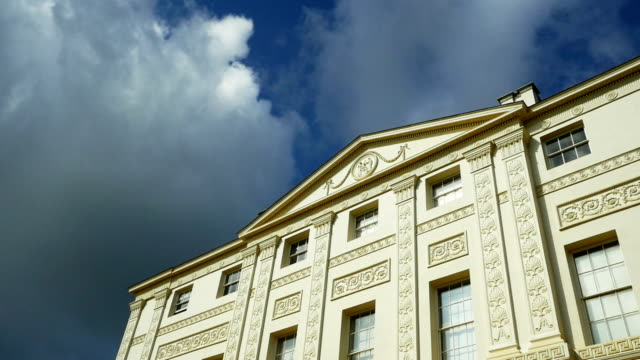 T/L London Kenwood House Against Cloudy Sky