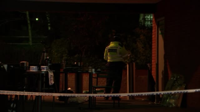 met commissioner says her force has not lost control england london discarded medical equipment on pavement at scene of stabbing police officer in... - 刺傷事件点の映像素材/bロール