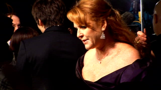 London Leicester Square EXT / NIGHT / RAIN *** SOME Sarah Ferguson on red carpet at film premiere for 'The Young Victoria' ENDS