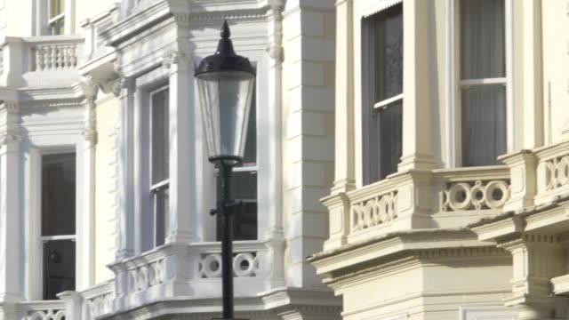 vídeos de stock e filmes b-roll de london luxury property in notting hill - kensington e chelsea